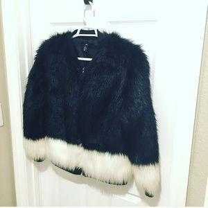🔥❤️H&M Two-Tone Faux Fur Coat Gorgeous Jacket 10